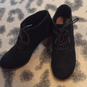 Toms black lace up booties with block heel